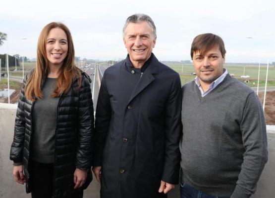Mientras el Municipio reitera sus pedidos a Vialidad Provincial para reparar las rutas 31 y 32, Arimay se volvió a mostrar junto a Macri y Vidal