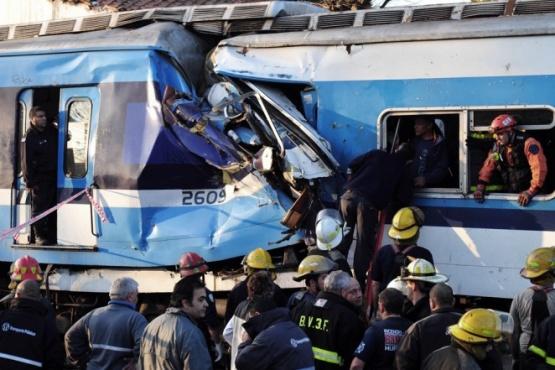 Familiares de las víctimas de Once repudiaron a Vidal por utilizar la tragedia ferroviaria para hacer campaña