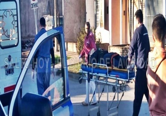 En una hora, dos accidentes se registraron en Salto: tres motociclistas trasladados al Hospital