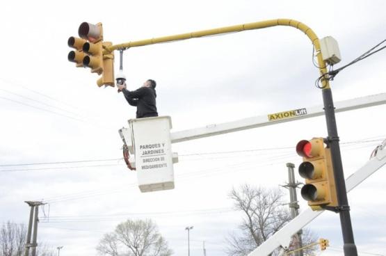 El Municipio lleva adelante tareas de mantenimiento en cámaras de seguridad