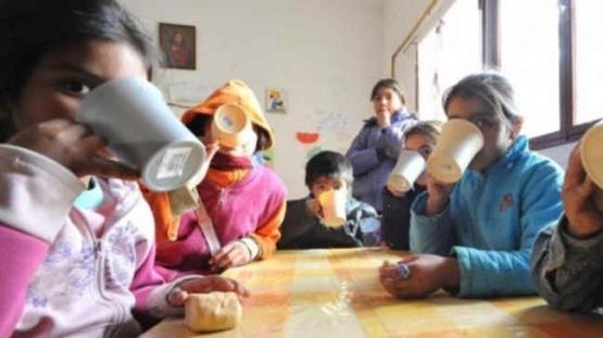 Denuncian faltante de leche en comedores barriales