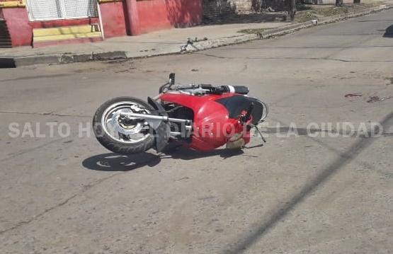 Un herido tras la colisión entre una moto y un auto en B. Esperanza y Vieytes