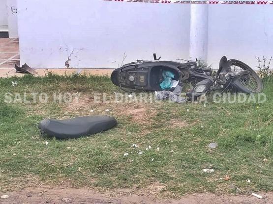 Un motociclista resultó herido tras impactar contra una pared