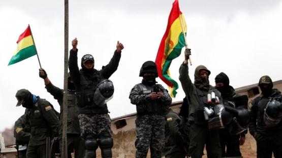 >Internacionales< Bolivia, sin presidente: cuáles son los pasos a seguir después de la renuncia de Evo Morales
