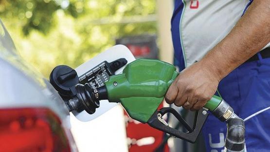 El domingo aumentan hasta un 6% los combustibles