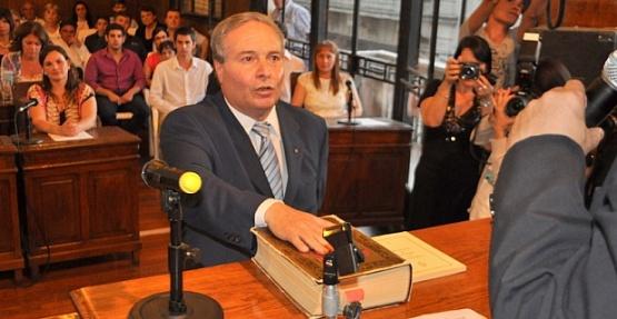 Con nuevos nombres en el gabinete, Ricardo Alessandro reasume la intendencia municipal