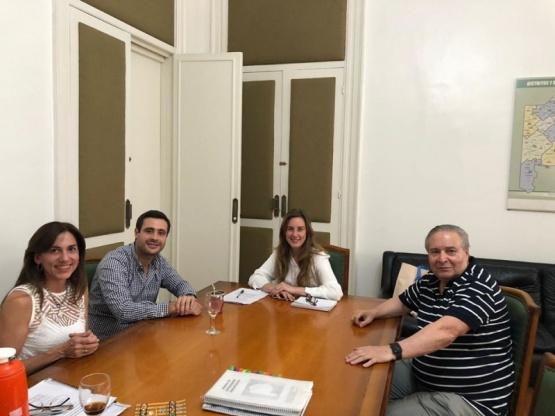 El Intendente y funcionarios de su gabinete se reunieron con la Ministra de Educación bonaerense
