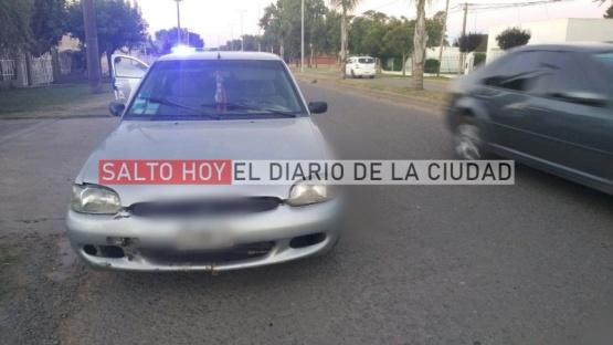 Zigzageaba con su auto, frenó y fue interceptado por la Policía: estaba alcoholizado