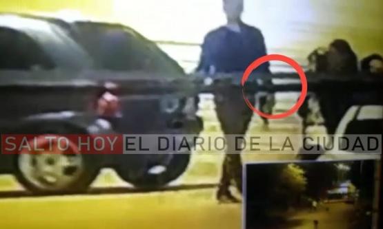 Lavia, más complicado: otro vídeo muestra cómo sacaron las botellas de alcohol previo a la llegada de la policía