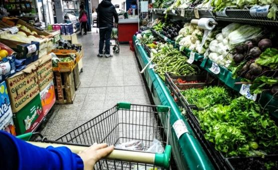 Según el INDEC, las ventas en supermercados bajaron un 9,7% en 2019
