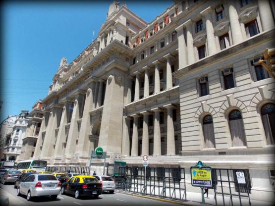 La Corte Suprema dispuso el levantamiento de la feria extraordinaria a partir de este lunes