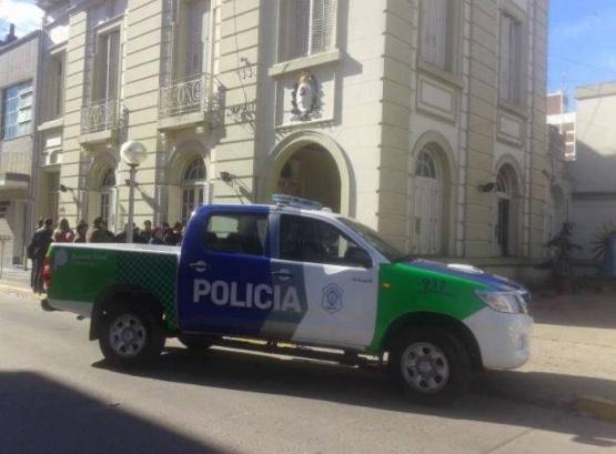 Coronavirus en Salto: dio positivo un policía de la comisaría y pusieron en reserva a otros nueve efectivos