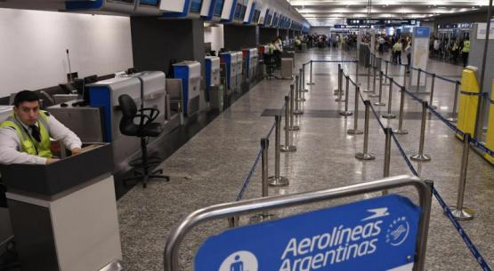 Aviones parados: sin fecha definida para el regreso de los vuelos, cuáles son los planes de las aerolíneas