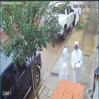 Disfrazados de médicos y con la excusa de hacer un hisopado, intentaron asaltar a un hombre en su casa