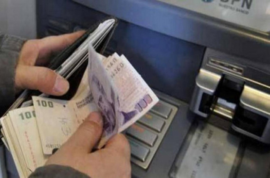 Salario mínimo: oficializan aumento de 35% en siete cuotas